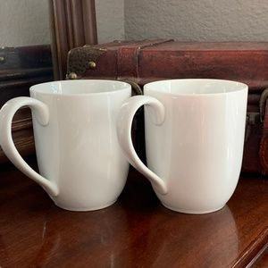 Pottery Barn Great White Mugs Cups Set of 2